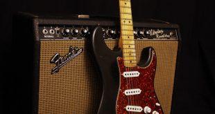 1979_Fender_Stratocaster - Vintage Röhrenverstärker_and_1966_Fender_Vibrolux_Reverb -