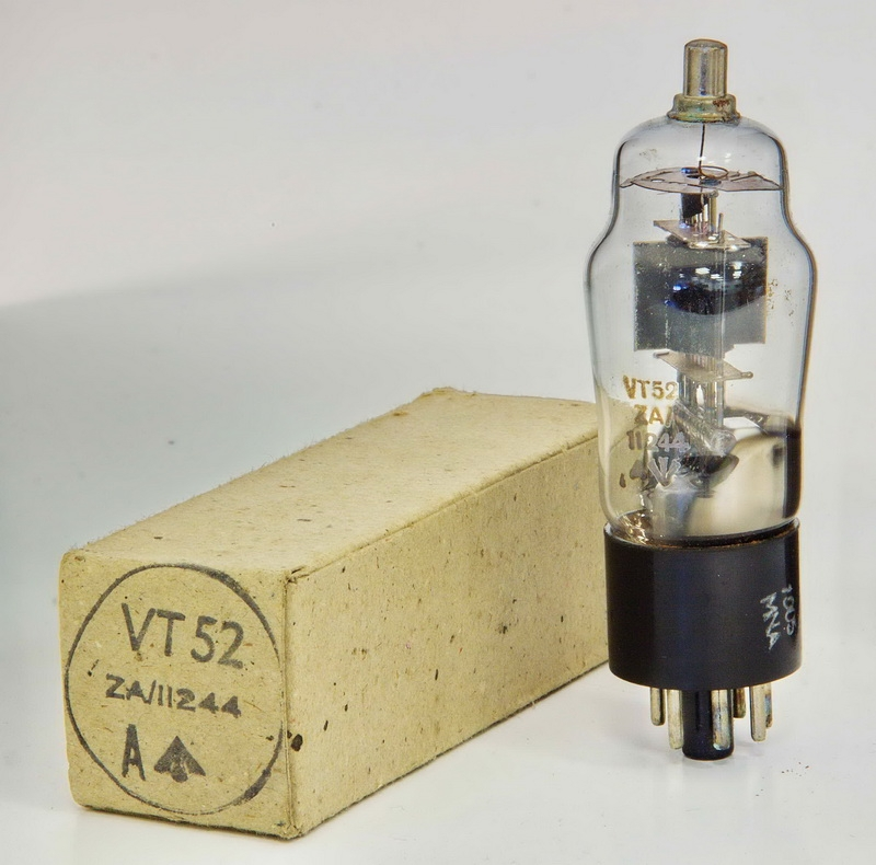 Qty of 1 Bulb Vintage New NOS GE 425 Miniature Automotive Light Bulb