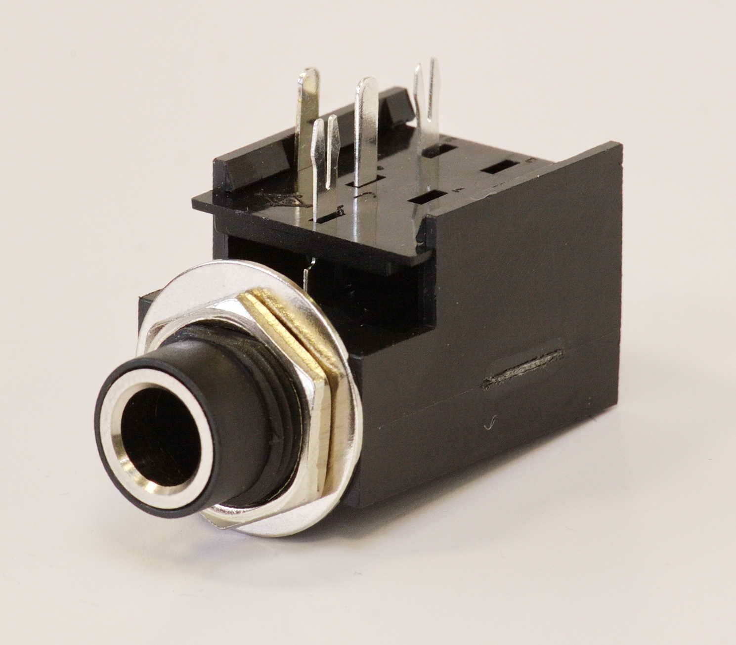 FENDER® MONO AMPLIFIER GUITAR AMP JACK SOCKET 4-PIN *NEW* 099-0912-000